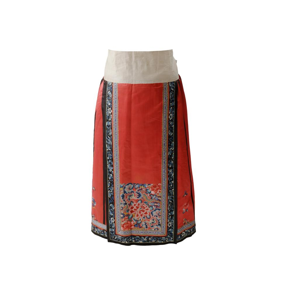 HAN CHINESE WOMAN'S EMBROIDERED RED SILK PLEATED SKIRT LATE QING DYNASTY-REPUBLIC PERIOD, 19TH-20TH CENTURY