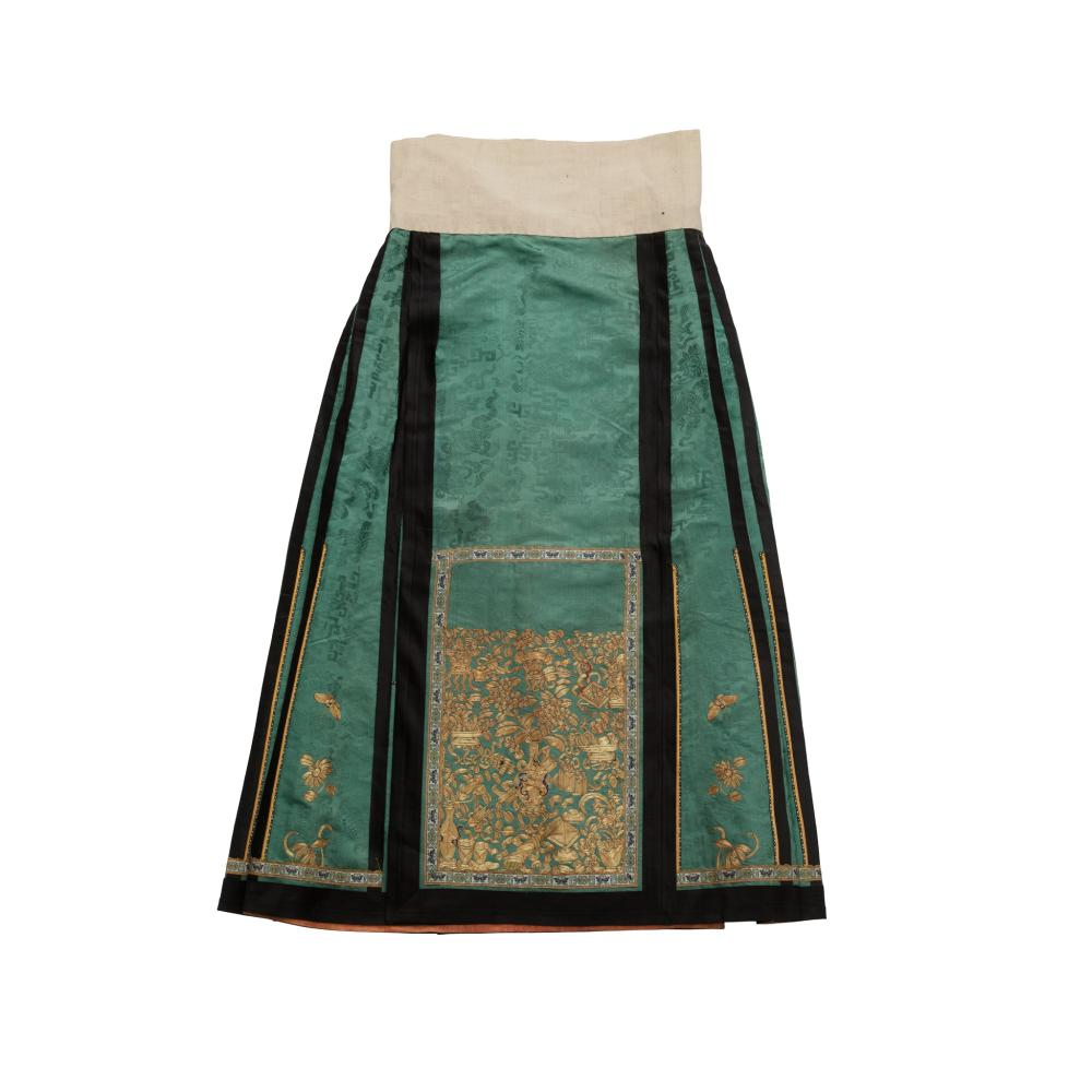 HAN CHINESE WOMAN'S EMBROIDERED GREEN SILK PLEATED SKIRT LATE QING DYNASTY-REPUBLIC PERIOD, 19TH-20TH CENTURY