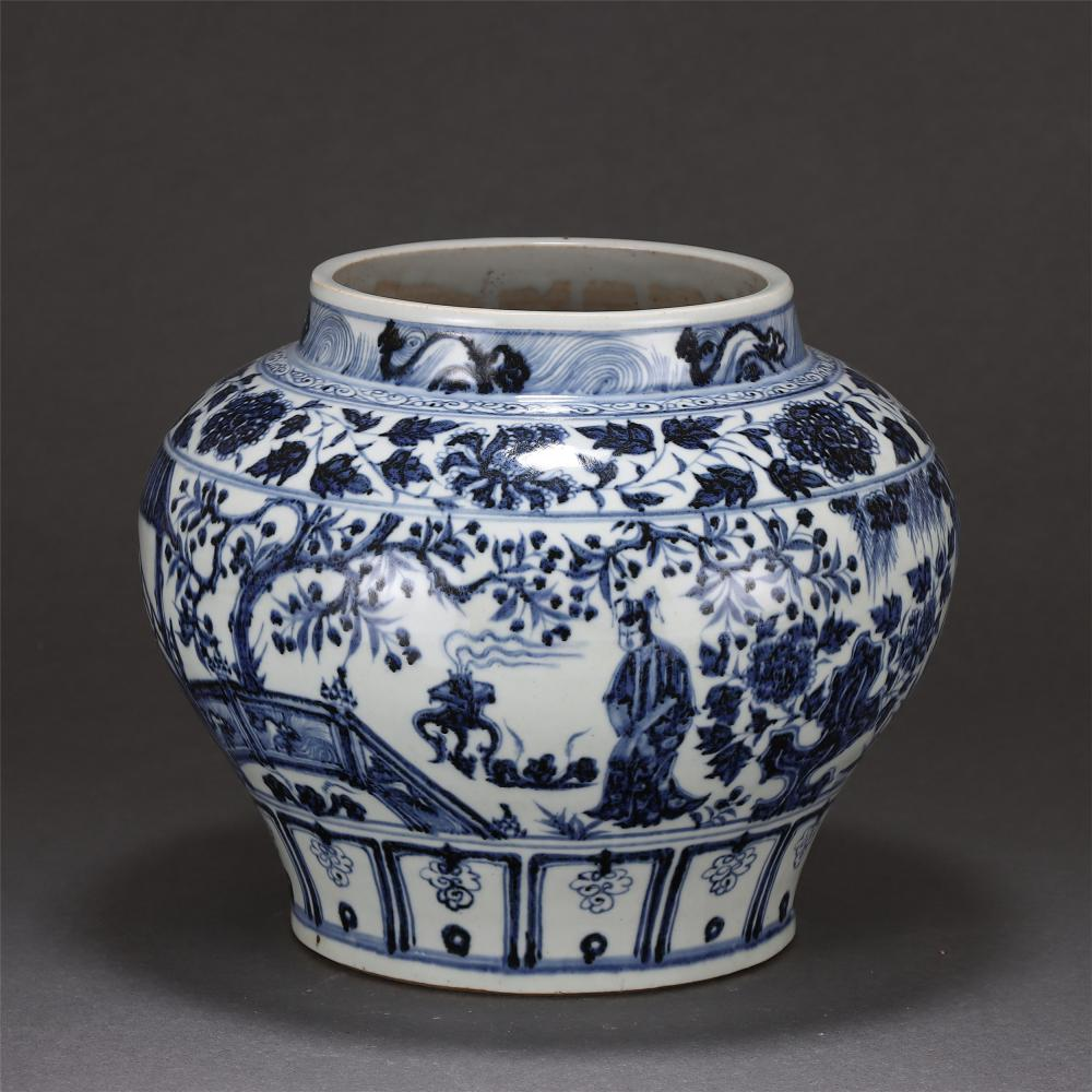 A CHINESE BLUE AND WHITE FIGURES STORY PORCELAIN JAR