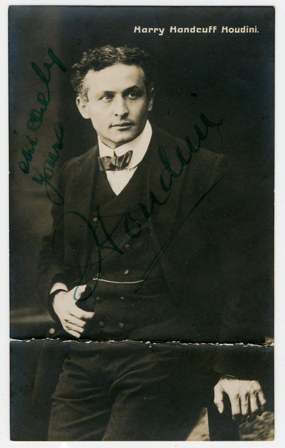 """Harry Houdini Signed Vintage Postcard Photograph from the """"Handcuff"""" Period"""