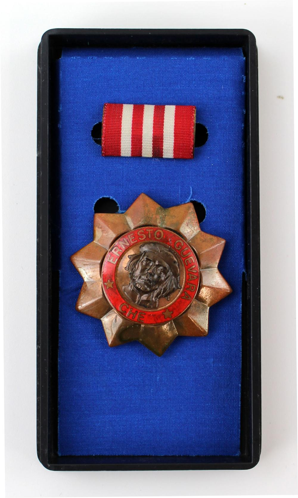 Order of Ernest Che Guevara, 3rd Class with Ribbon and Photograph