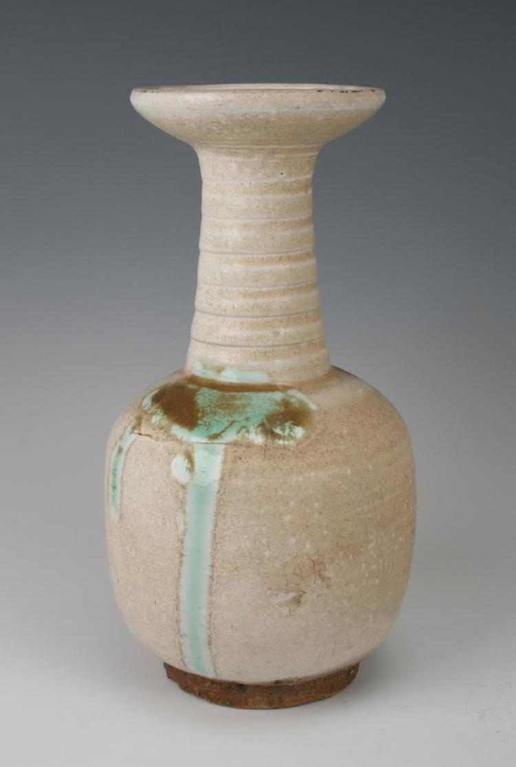 A Chinese Liao/Jin porcelain vase