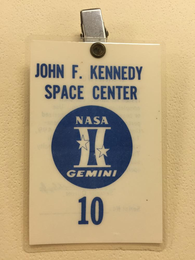 Gemini GT-10 launch badge