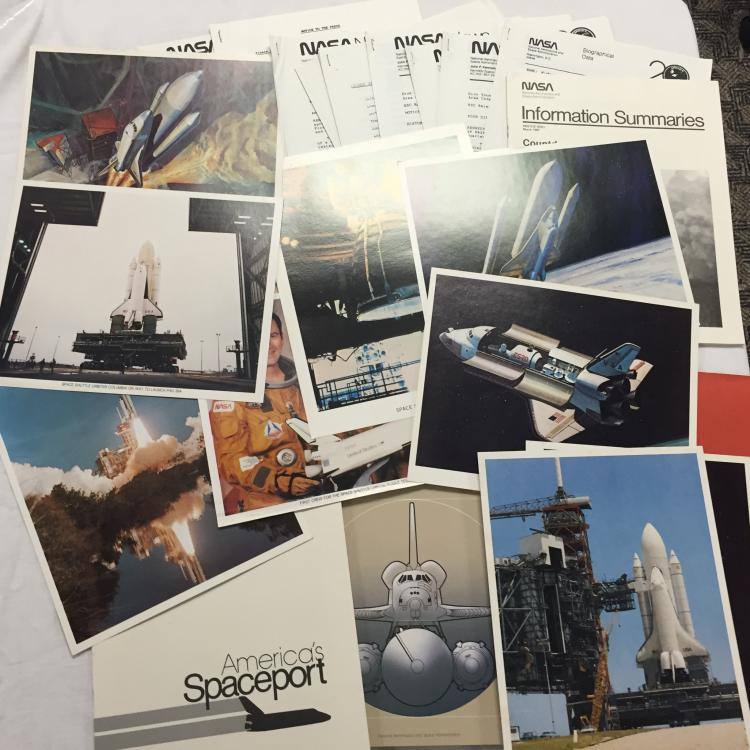 Space Shuttle Information Summaries and Lithographs