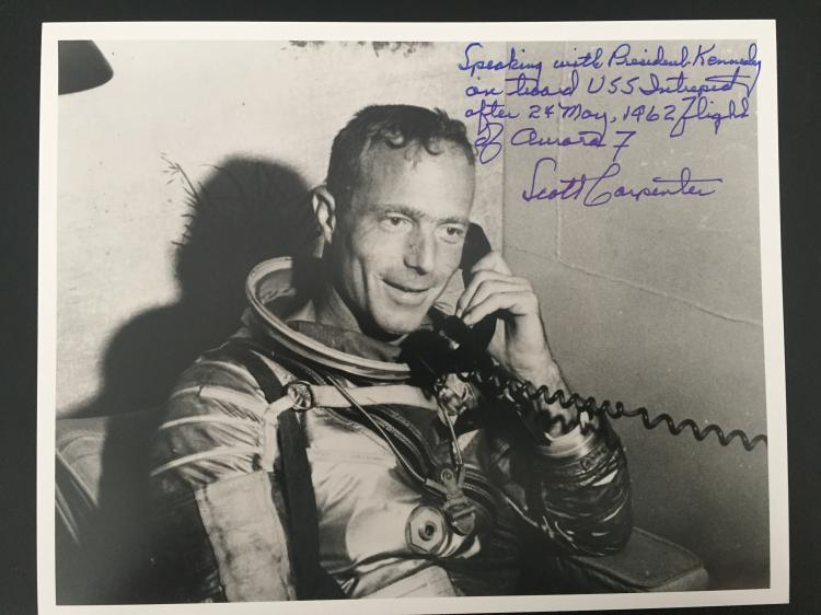 Scott Carpenter signed Silver space suit photograph