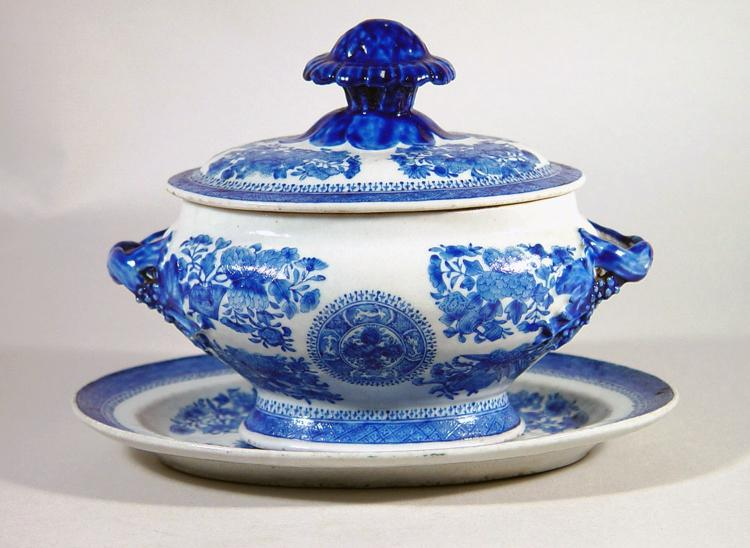 Chinese Export Porcelain Blue Enamel Fitzhugh Sauce Tureen, Cover and Stand