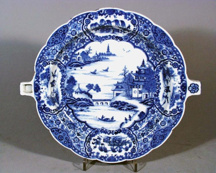 Chinese Export Porcelain Underglaze Blue and White Hot Water Plate
