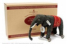 Steiff Club Edition Elephant on Wheels 1914
