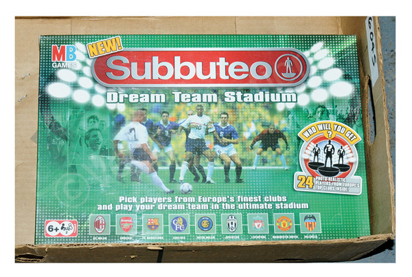 MB Games Subbuteo Dream Team Stadium, Mint