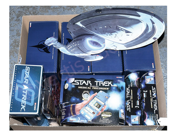 GRP inc Star Trek Collectables: (1) Corgi 40