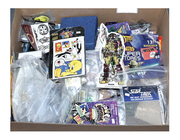 QTY inc Assorted toys and collectables: Predator