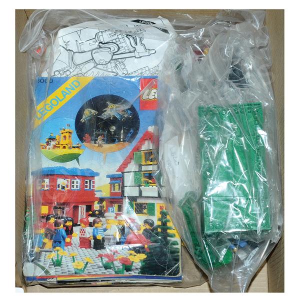 QTY inc Quantity of Lego assorted loose spares