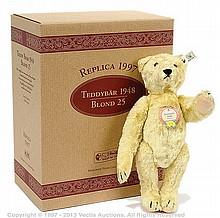 Steiff Teddy Bear 1948 blonde replica, white tag