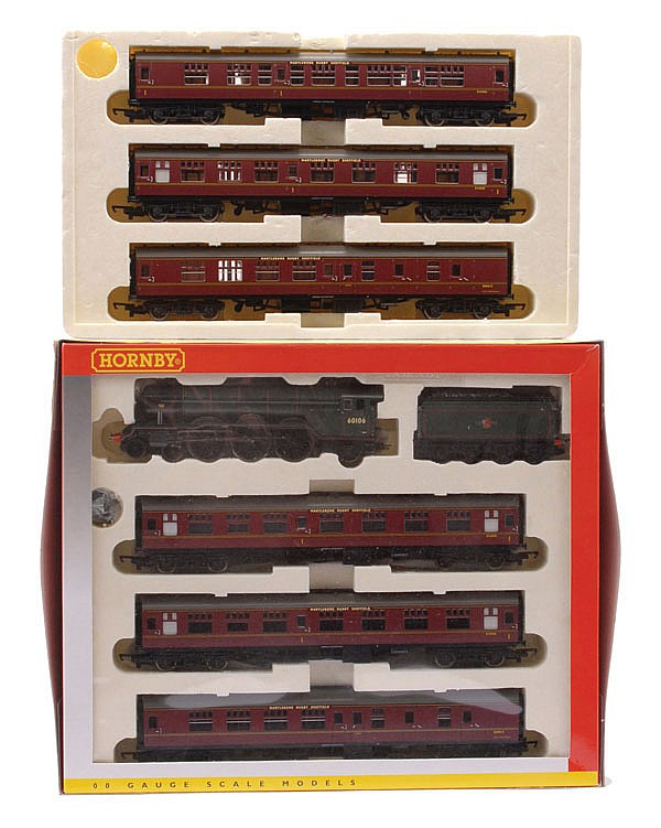 PAIR inc Hornby (China) OO Gauge R2195M
