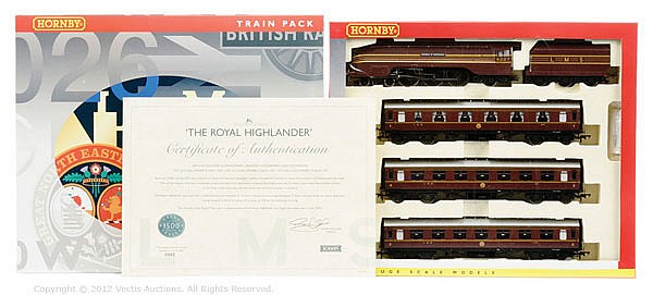 Hornby (China) OO Gauge, R2659M The Royal