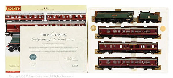 Hornby (China) OO Gauge, R2436, The Pines