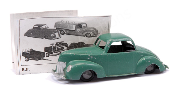 Danish made Ford V8 Coupe - finished in green