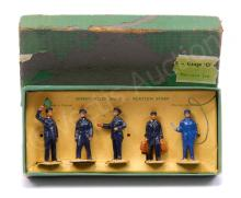 Dinky No.1 Station Staff Figure Set includes