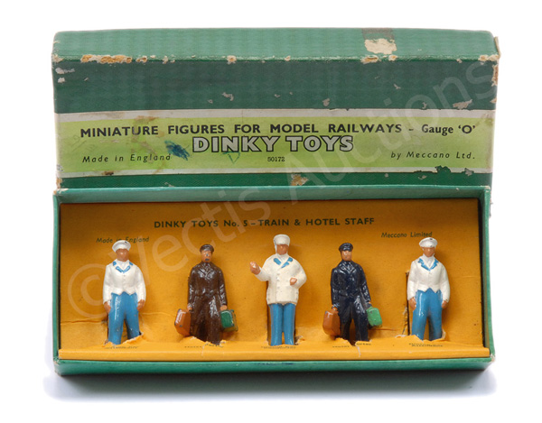 Dinky No.5 Train and Hotel Staff 5 x figures