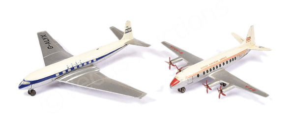 PAIR inc Dinky Aircraft No.999 Comet
