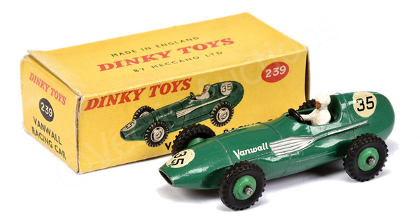Dinky No.239 Vanwall Racing Car - green