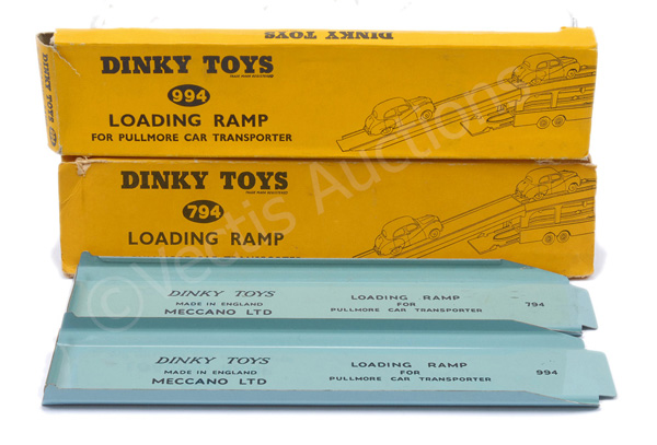 PAIR inc Dinky No.794 Bedford Pullmore Loading