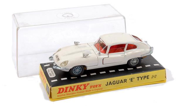 Dinky No.131 Jaguar Type E - white body, gold
