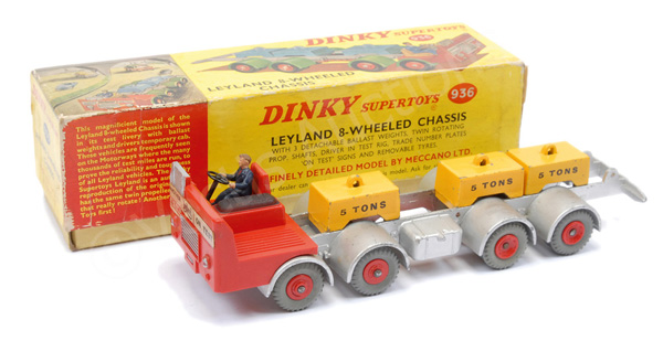Dinky No.936 Leyland 8-wheeled chassis
