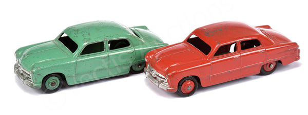 PAIR inc Dinky No.170 Ford Sedan a (1) red