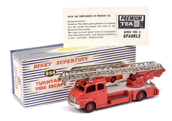 PAIR inc Dinky No.956 Turntable Fire Escape