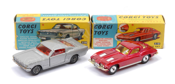 PAIR inc Corgi No.310 Chevrolet Corvette