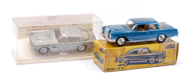 PAIR inc Solido No.126 Mercedes 220SE - blue