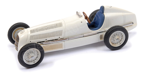 CMC (1/18th scale) - unboxed Mercedes W125