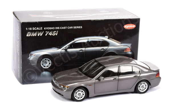 Kyosho (1/18th scale) BMW 745i - metallic
