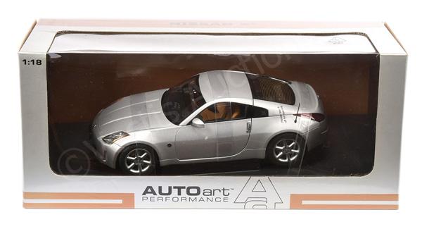 Autoart (1/18th scale) - Nissan 350Z - silver