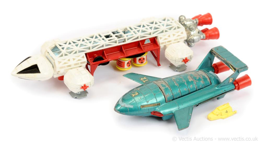 PAIR inc Dinky 360 Space 1999 Eagle Freighter