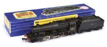 Hornby Dublo 3-rail 3224 2-8-0 Loco and Tender