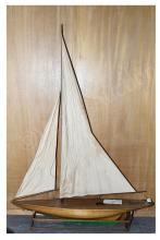 Large scratchbuilt Scottish Pond Yacht - Circa