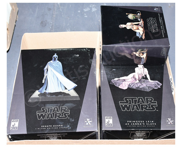 GRP inc Gentle Giant Star Wars 30th Collectible