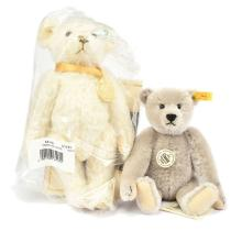 PAIR inc Steiff Teddy Bears:1905 Classic Richard