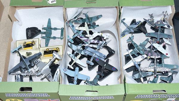 GRP inc A mainly unboxed Aviation De Havilland
