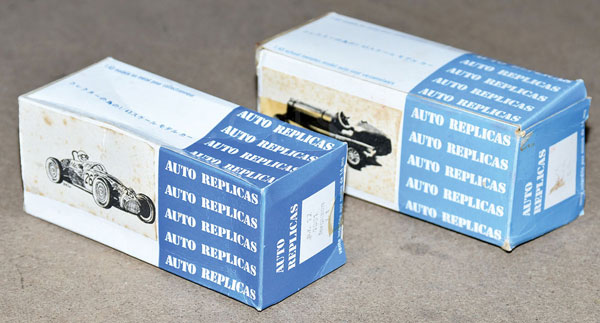 PAIR inc Auto Replica boxed Kit pair. A.R.17