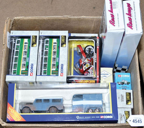GRP inc Corgi boxed No.TY82702 Horse Box