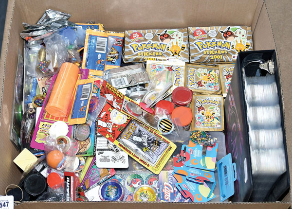 Pokemon Stickers 2001, Poggs plus others