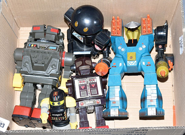 GRP inc unboxed tinplate and plastic Robots