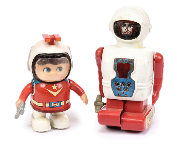 PAIR inc small scale tinplate and plastic Robots