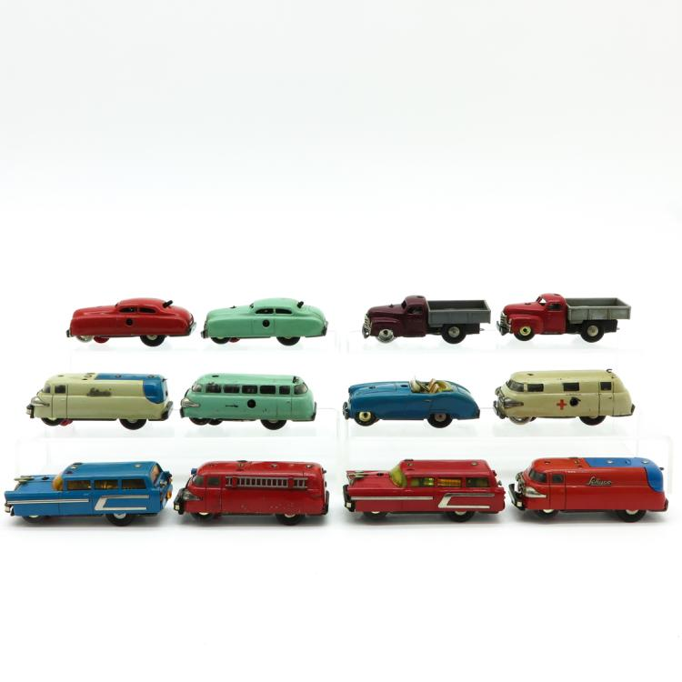 LOT OF 12 VINTAGE TOY CARS