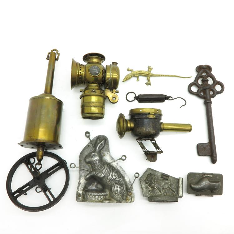 DIVERSE LOT OF 19TH CENTURY INCLUDING CHOCOLATE MOULDS