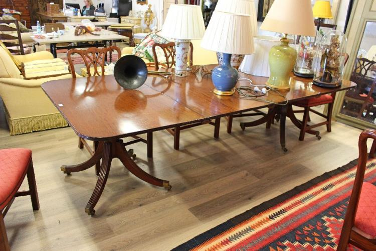Fine regency style mahogany double pedestal dining ten seat for 108 table seats how many