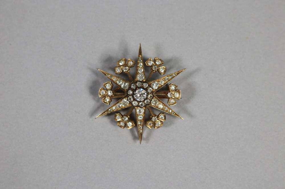Star and shamrock 18ct gold brooch set with diamonds